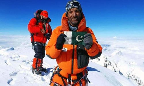 Rescue and search operation for the Pakistan mountaineer Sadpara